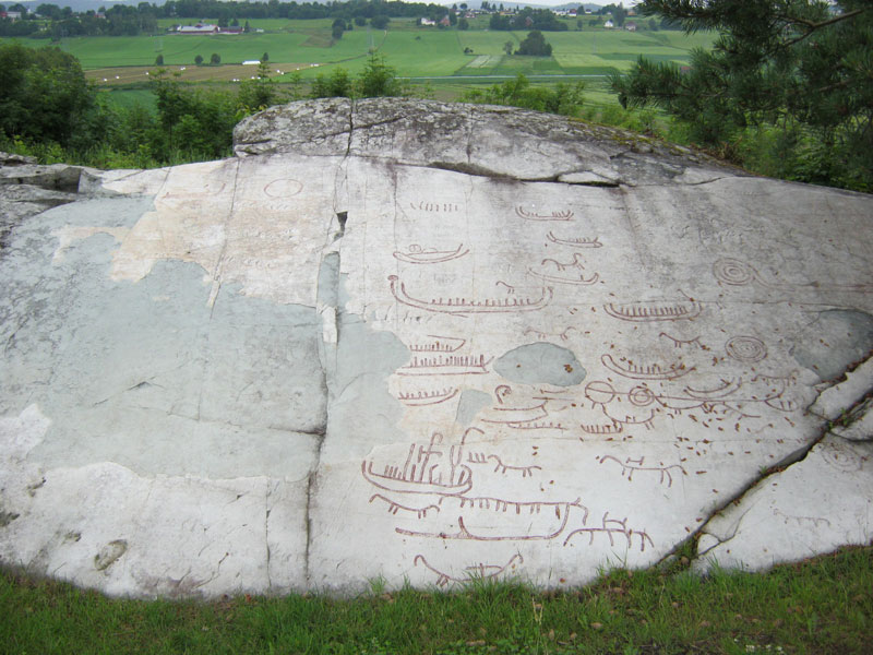 Løberg rock carving